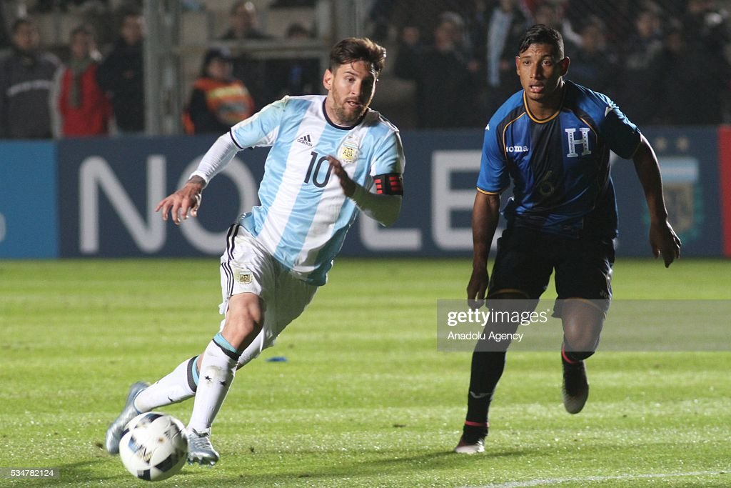 Lionel Messi of Argentina (L) in action during a friendly game between Argentina and Honduras at Bicentenario stadium in San Juan, Argentina on May 27, 2016.