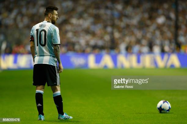 Lionel Messi of Argentina sets up for a free kick during a match between Argentina and Peru as part of FIFA 2018 World Cup Qualifiers at Estadio...