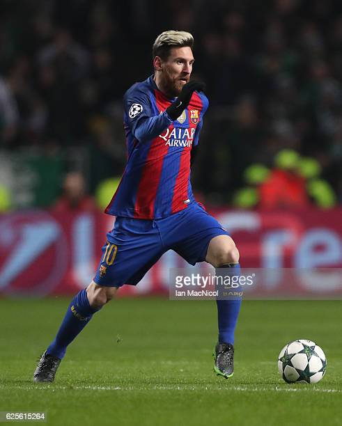 Lionel Messi of Barcelona controls the ball during the UEFA Champions League match between Celtic FC and FC Barcelona at Celtic Park Stadium on...