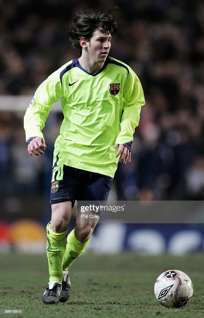 Lionel Messi of Barcelona in action during the UEFA Champions League Round of 16, First Leg match between Chelsea and Barcelona at Stamford Bridge on February 22, 2006 in London, England.