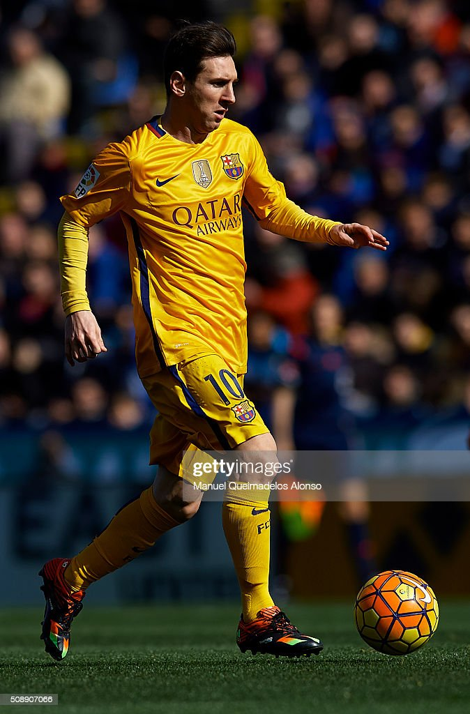 <a gi-track='captionPersonalityLinkClicked' href=/galleries/search?phrase=Lionel+Messi&family=editorial&specificpeople=453305 ng-click='$event.stopPropagation()'>Lionel Messi</a> of Barcelona runs with the ball during the La Liga match between Levante UD and FC Barcelona at Ciutat de Valencia on February 07, 2016 in Valencia, Spain.