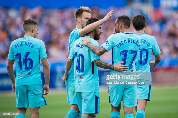 Deportivo Alaves v Barcelona - La Liga : News Photo