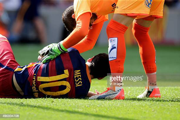 Lionel Messi of FC Barcelona Javi Varas of Las Palmas during the Primera Division match between FC Barcelona and Las Palmas on September 26 2015 at...