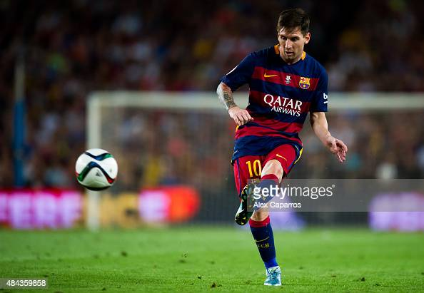 Lionel Messi of FC Barcelona makes a pass during the Spanish Super Cup second leg match between FC Barcelona and Athletic Club at Camp Nou on August...