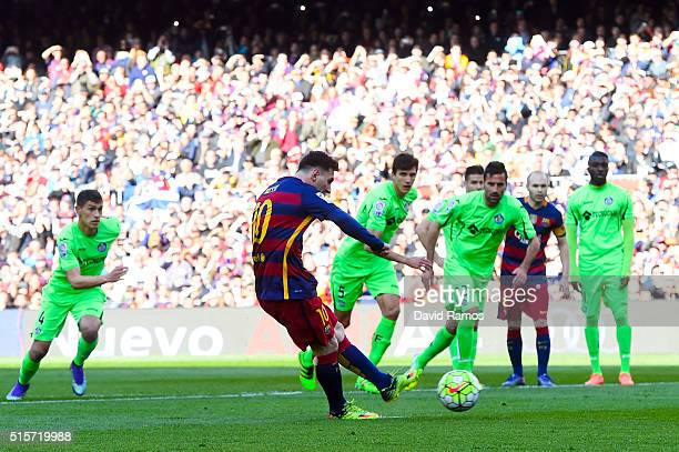 Lionel Messi of FC Barcelona misses a penalty kick during the La Liga match between FC Barcelona and Getafe CF at Camp Nou on March 12 2016 in...