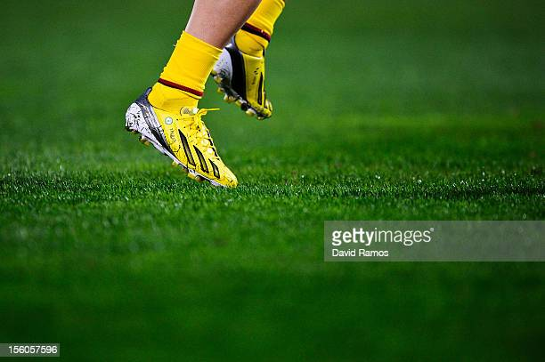 Lionel Messi of FC Barcelona wears his personalized new boots with the name of his newborn son Thiago during the La Liga match between RCD Mallorca...