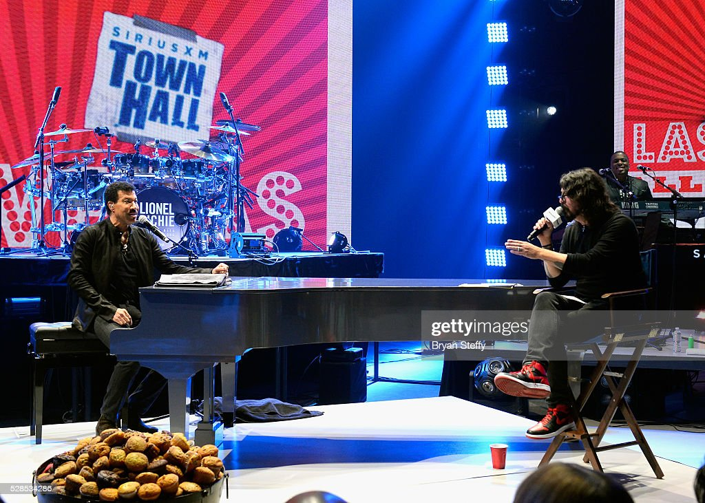 Lionel Richie Performs During SiriusXM's Town Hall Series ...