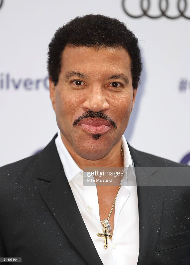 Lionel Richie arrives for Nordoff Robbins O2 Silver Clef Awards on July 1, 2016 in London, United Kingdom.