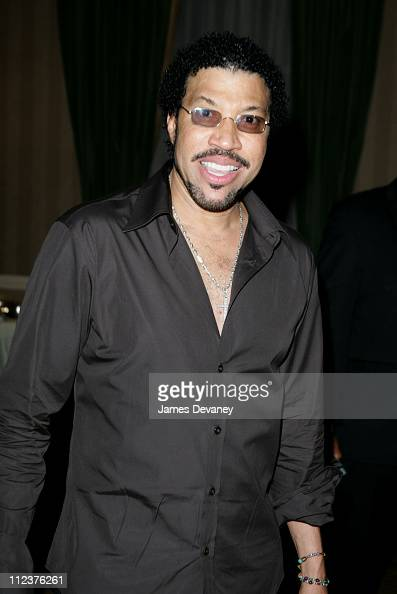 Lionel Richie Featuring Enrique Iglesias - To Love A Woman