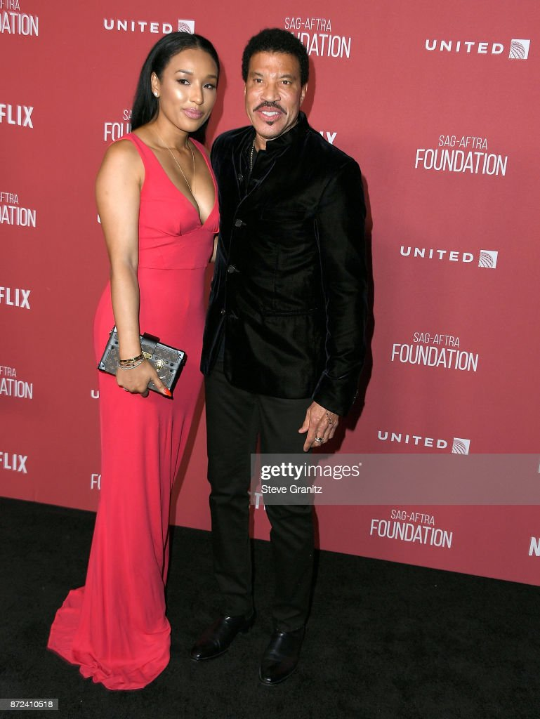 Lionel Richie, Lisa Parigi, arrives at the SAG-AFTRA Foundation Patron of the Artists Awards 2017 on November 9, 2017 in Beverly Hills, California.