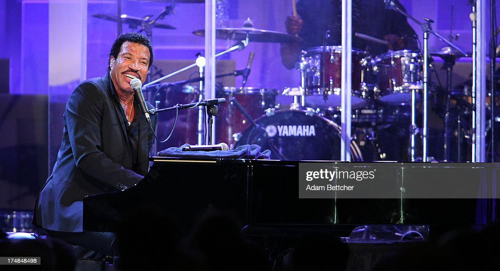 <a gi-track='captionPersonalityLinkClicked' href=/galleries/search?phrase=Lionel+Richie&family=editorial&specificpeople=204139 ng-click='$event.stopPropagation()'>Lionel Richie</a> performs during the 2013 Starkey Hearing Foundation's 'So the World May Hear' Awards Gala on July 28, 2013 in St. Paul, Minnesota.