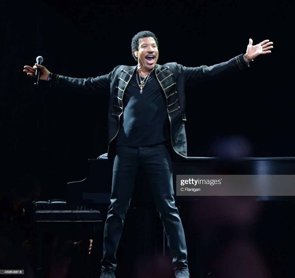 Lionel Richie performs during the 2014 Bonnaroo Music & Arts Festival on June 14, 2014 in Manchester, Tennessee.