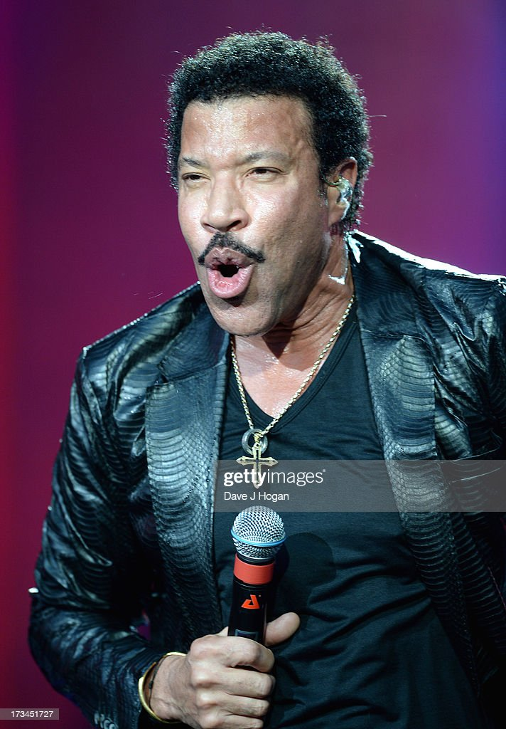 <a gi-track='captionPersonalityLinkClicked' href=/galleries/search?phrase=Lionel+Richie&family=editorial&specificpeople=204139 ng-click='$event.stopPropagation()'>Lionel Richie</a> performs on stage on day 6 of British Summer Time Hyde Park presented by Barclaycard at Hyde Park on July 14, 2013 in London, England.