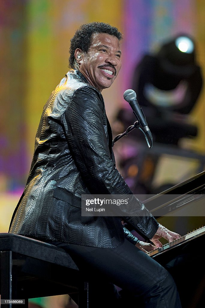 <a gi-track='captionPersonalityLinkClicked' href=/galleries/search?phrase=Lionel+Richie&family=editorial&specificpeople=204139 ng-click='$event.stopPropagation()'>Lionel Richie</a> performs on the Great Oak Stage on day 6 of British Summer Time Hyde Park presented by Barclaycard at Hyde Park on July 14, 2013 in London, England.