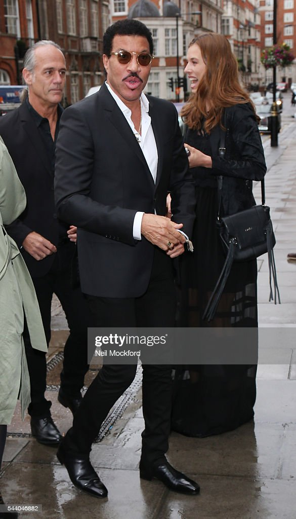 <a gi-track='captionPersonalityLinkClicked' href=/galleries/search?phrase=Lionel+Richie&family=editorial&specificpeople=204139 ng-click='$event.stopPropagation()'>Lionel Richie</a> seen arriving at Nordoff Robbins' Silver Clef Awards at Grosvenor House on July 1, 2016 in London, England.