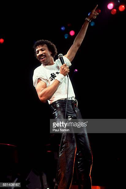 Lionel Ritchie performs onstage Chicago Illinois June 12 1984