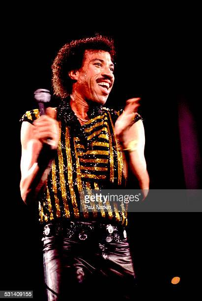 Lionel Ritchie performs onstage Chicago Illinois October 1 1983