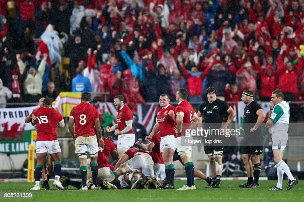 Lions players celebrate the win during the International Test match between the New Zealand All Blacks and the British Irish Lions at Westpac Stadium...