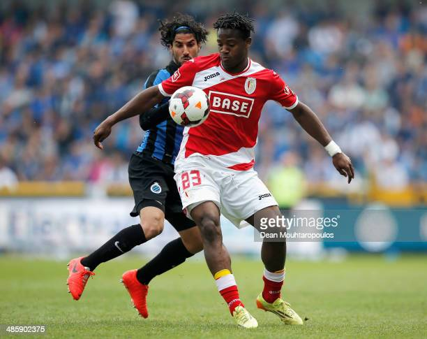 Lior Refaelov of Club Brugge and Michy Batshuayi of Standard Liege battle for the ball during the Jupiler League match between Club Brugge and Royal...