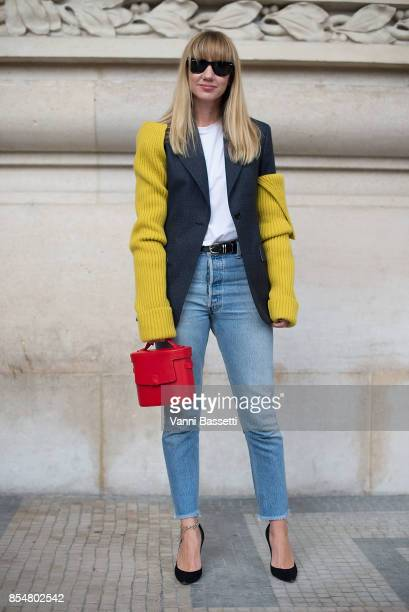 Lisa Aiken poses after the Maison Margiela show at the Grand Palais during paris Fashion week Womenswear SS18 on September 27 2017 in Paris France