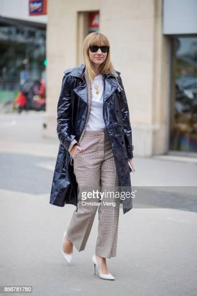Lisa Aiken wearing Stella McCartney coat seen outside Giambattista Valli during Paris Fashion Week Spring/Summer 2018 on October 2 2017 in Paris...