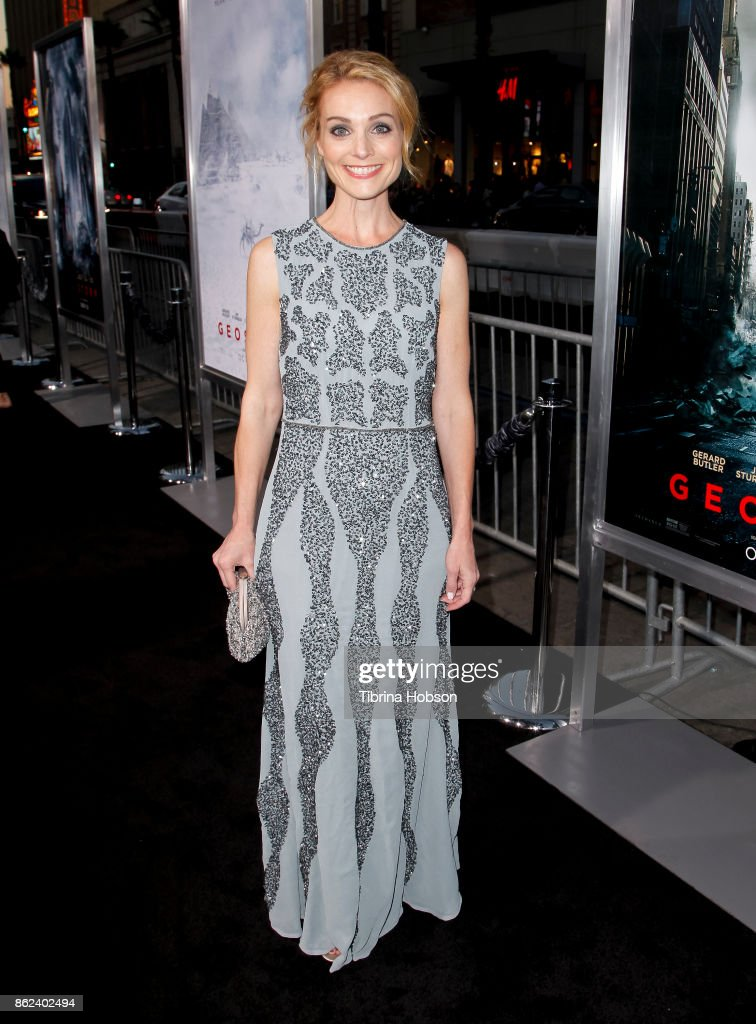 Lisa Brenner attends the premiere of Warner Bros. Pictures 'Geostorm' at TCL Chinese Theatre on October 16, 2017 in Hollywood, California.