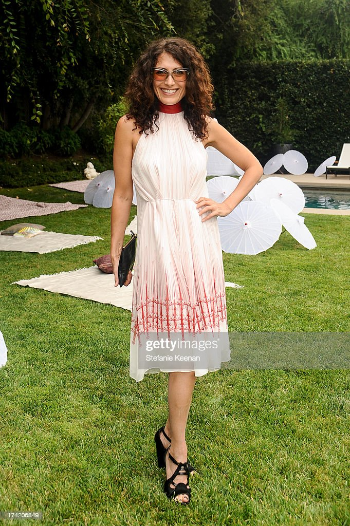 Lisa Edelstein attends LAXART 2013 Garden Party on July 21, 2013 in Los Angeles, California.