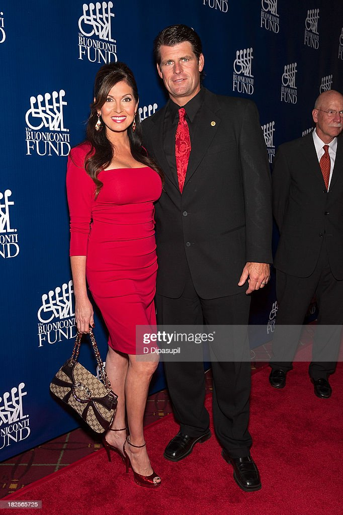 <a gi-track='captionPersonalityLinkClicked' href=/galleries/search?phrase=Lisa+Guerrero&family=editorial&specificpeople=2126801 ng-click='$event.stopPropagation()'>Lisa Guerrero</a> (L) and <a gi-track='captionPersonalityLinkClicked' href=/galleries/search?phrase=Scott+Erickson&family=editorial&specificpeople=209180 ng-click='$event.stopPropagation()'>Scott Erickson</a> attend the 28th Annual Great Sports Legends Dinner to Benefit The Buoniconti Fund To Cure Paralysis at The Waldorf=Astoria on September 30, 2013 in New York City.