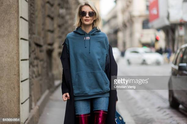 Lisa Hahnbueck wearing Hallhuber Maxi Coat Kith SweathshirtCitizens of Humanity jeans Christian Louboutin Classe Hot Mirror Stretch Over Knee Boot...