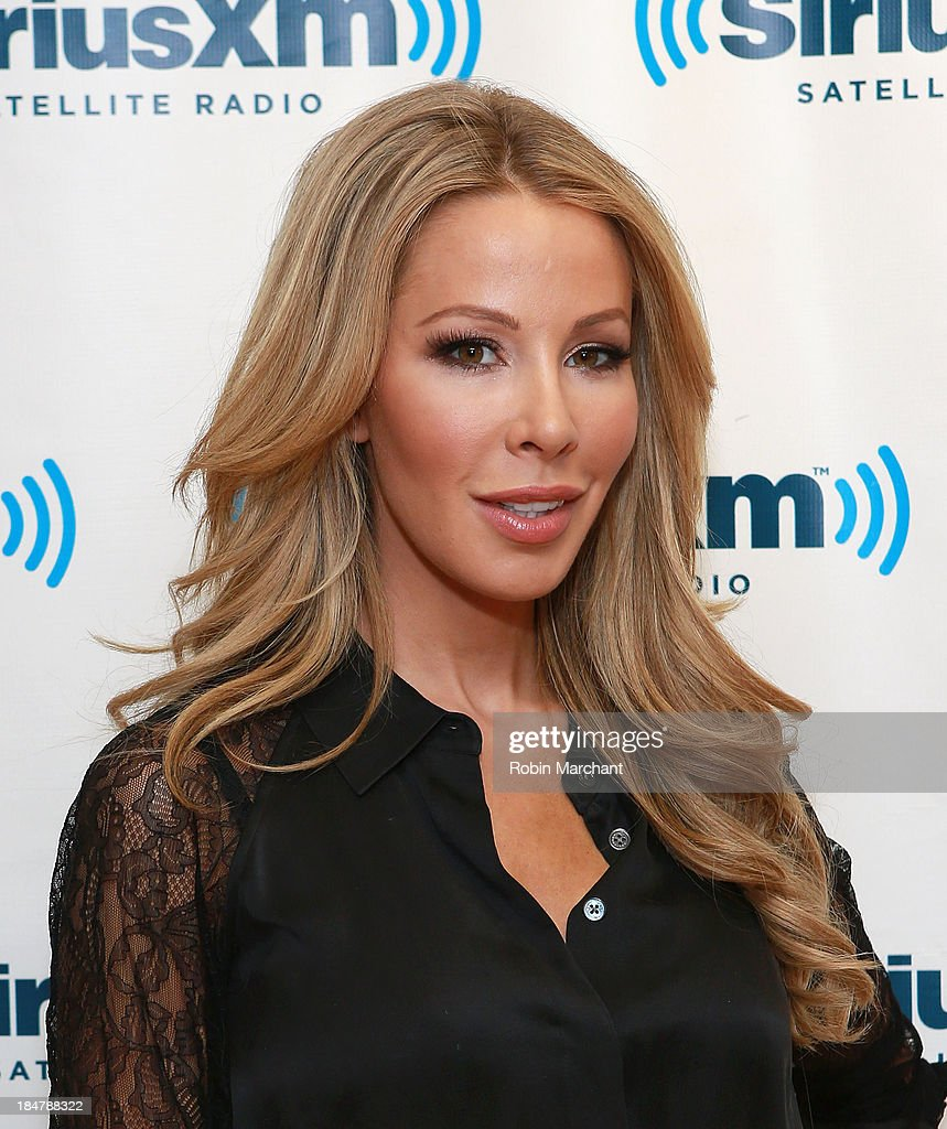 <a gi-track='captionPersonalityLinkClicked' href=/galleries/search?phrase=Lisa+Hochstein&family=editorial&specificpeople=8962129 ng-click='$event.stopPropagation()'>Lisa Hochstein</a> visits SiriusXM Studios on October 16, 2013 in New York City.