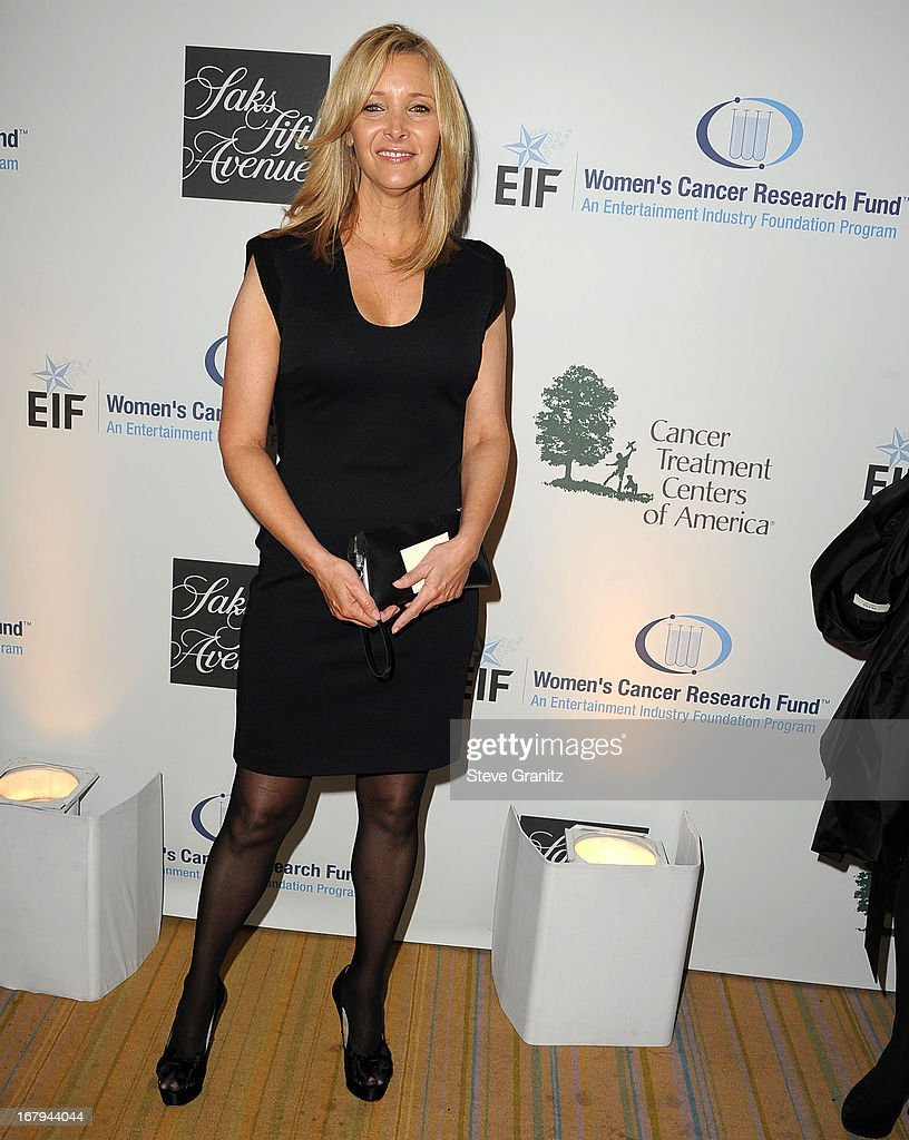 Lisa Kudrow arrives at the An Unforgettable Evening Benefiting EIF's Women's Cancer Research Fund at Regent Beverly Wilshire Hotel on May 2, 2013 in Beverly Hills, California.