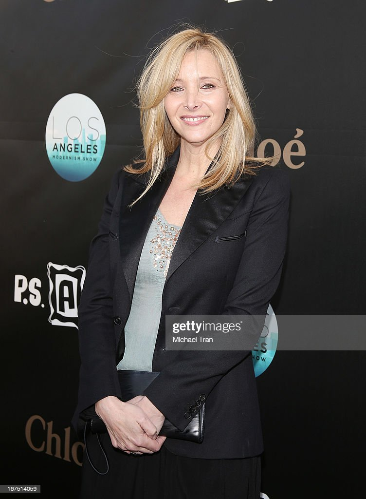 Lisa Kudrow arrives at The Los Angeles Modernism show and sale to benefit P.S. ARTS held at Barker Hangar on April 25, 2013 in Santa Monica, California.