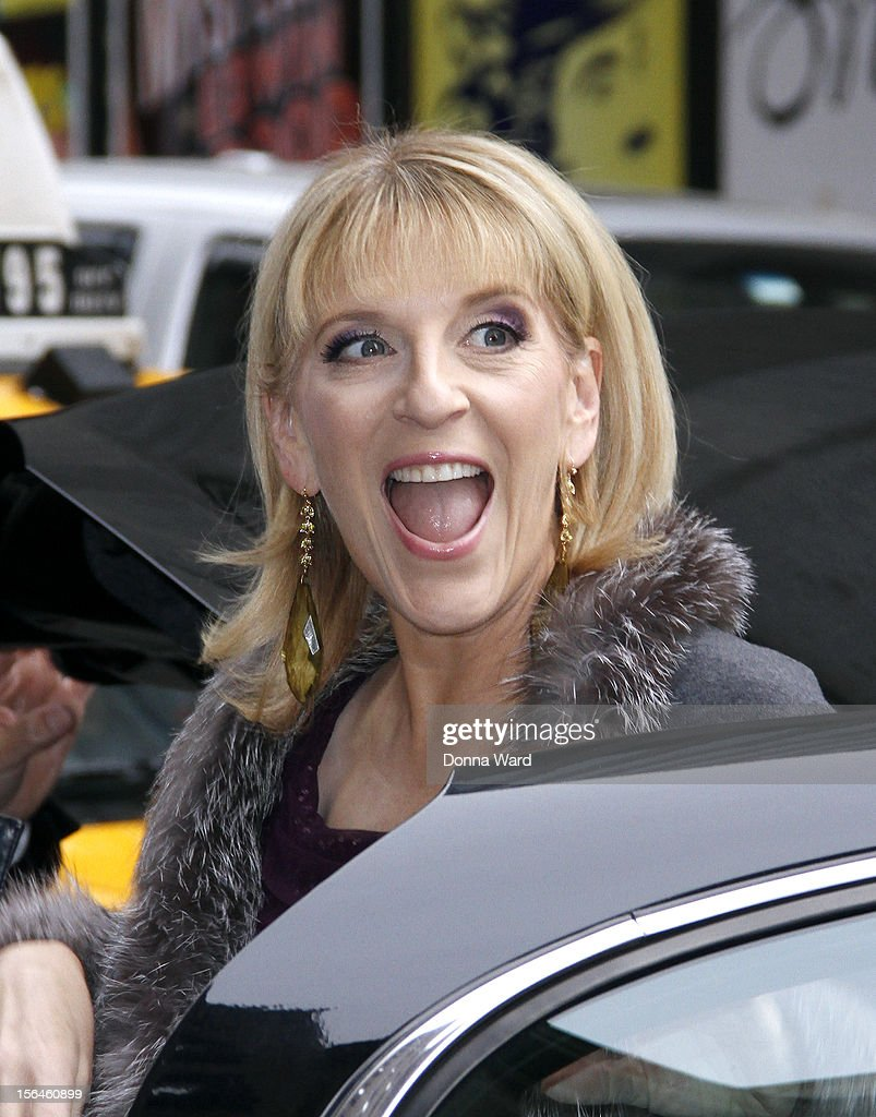 Lisa Lampenelli arrives for 'The Late Show with David Letterman' at Ed Sullivan Theater on November 15, 2012 in New York City.