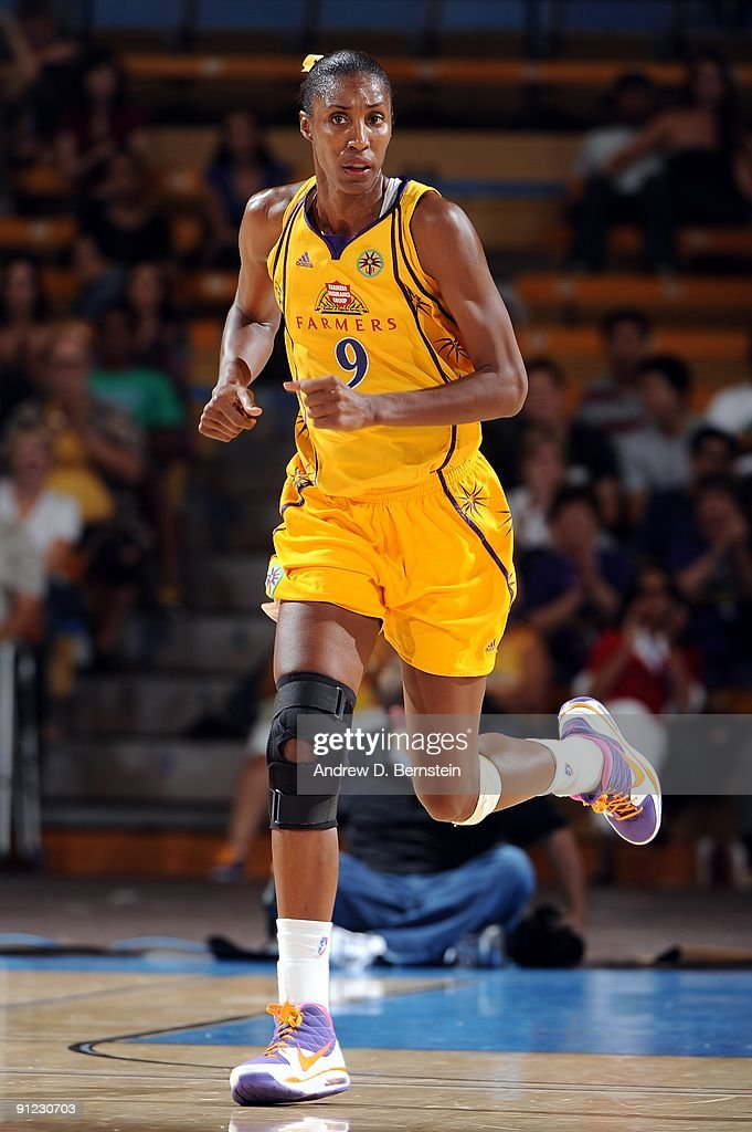 Lisa Leslie of the Los Angeles Sparks moves up court in Game One of the Western Conference Finals against the Phoenix Mercury during the 2009 WNBA...