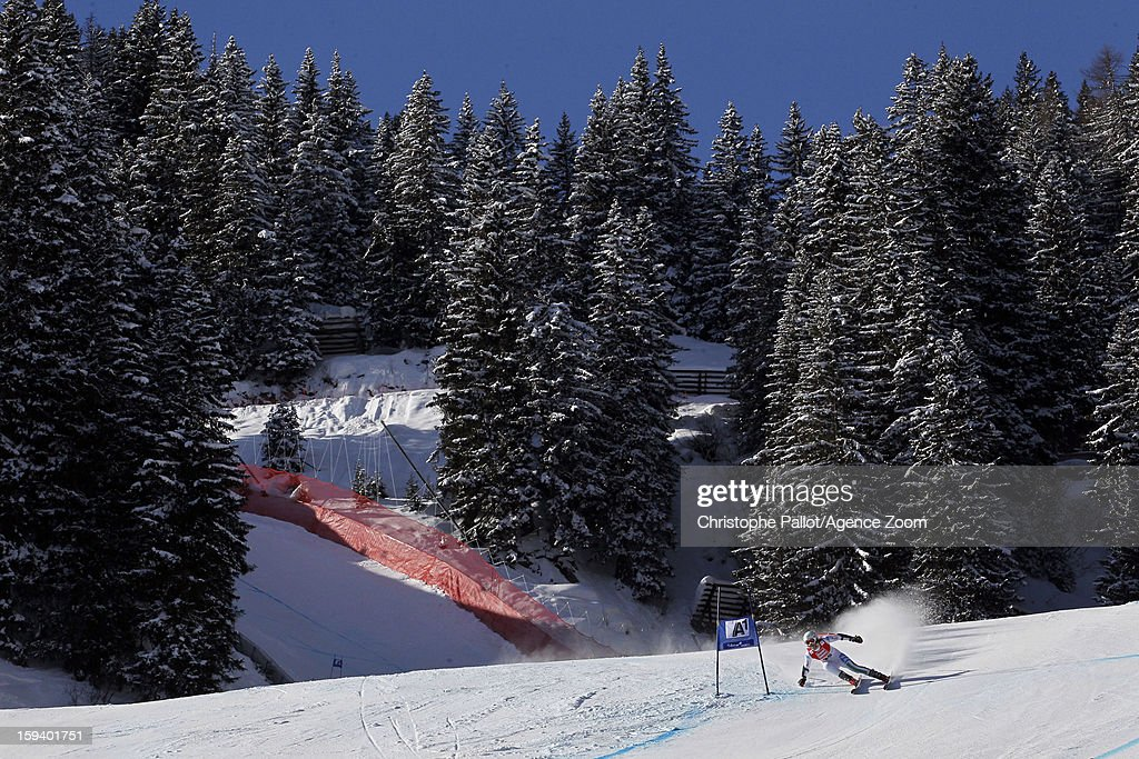 Lisa Magdalena Agerer of Italy competes during the Audi FIS Alpine Ski World Cup Women's SuperG on January 13, 2013 in St. Anton, Austria.