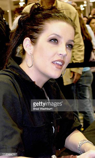 Lisa Marie Presley during Lisa Marie Presley Signs Her Album 'Now What' at Best Buy in Costa Mesa at Best Buy in Costa Mesa California United States
