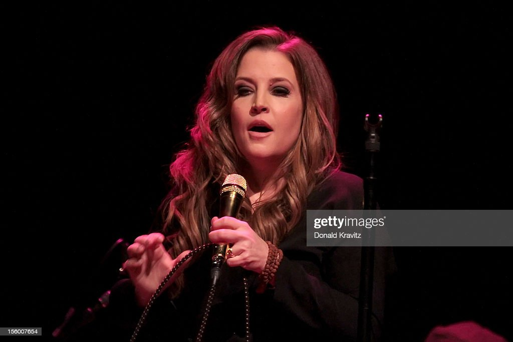 Lisa Marie Presley performs in concert at the Trump Taj Mahal on November 10, 2012 in Atlantic City, New Jersey.