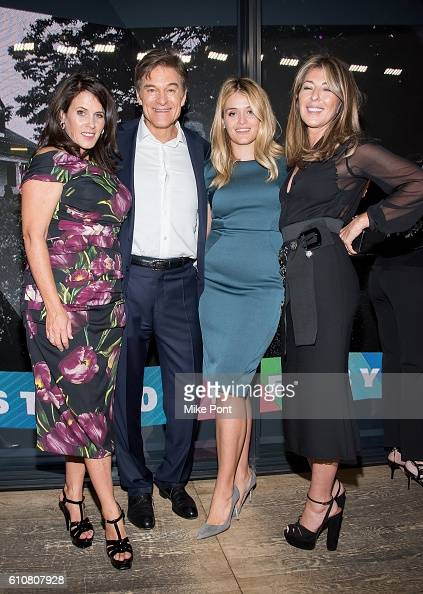 Lisa Oz Mehmet Oz Daphne Oz and Nina Garcia attend the HearstLive Launch at Hearst Tower on September 27 2016 in New York City