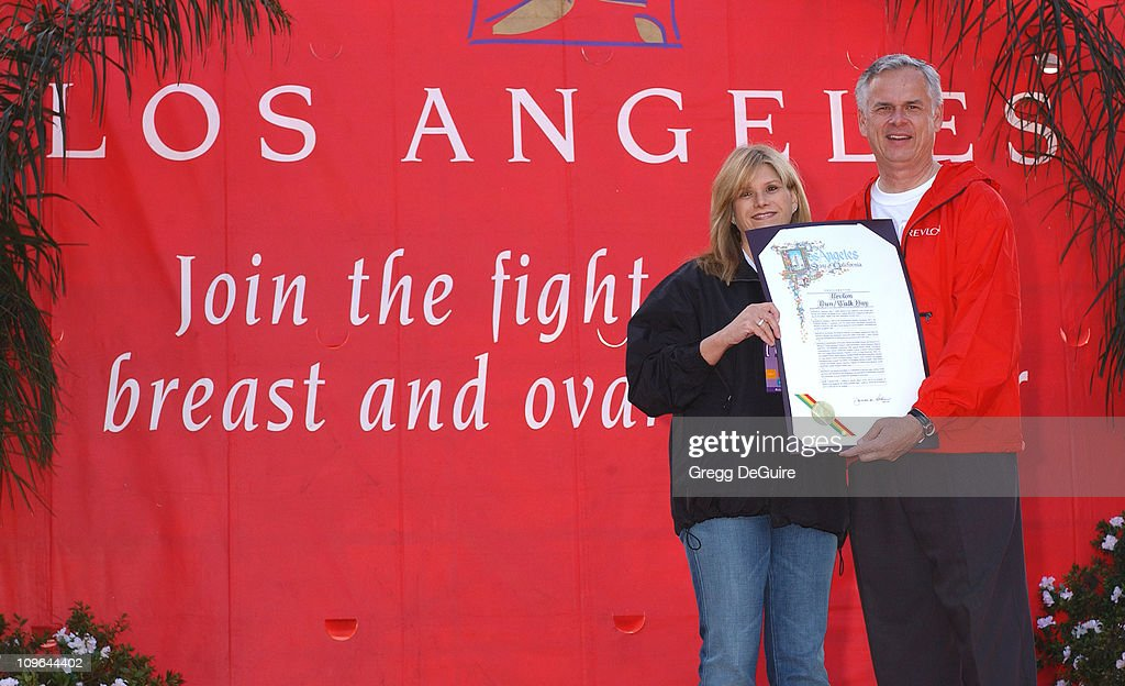 Lisa Paulsen, co-Founder of the Revlon Run/Walk and president/CEO of Entertainment Industry Foundation (EIF) and Los Angeles Mayor James Hahn