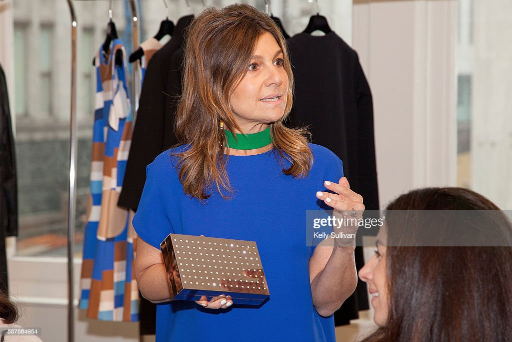 Lisa Perry addresses luncheon guests at Barneys New York on January 29 2016 in San Francisco California