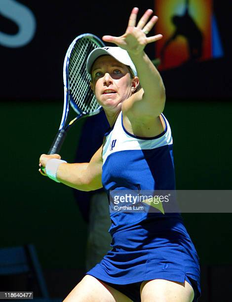 Lisa Raymond ends run at the Australian Open with 67 36 loss to Patty Schnyder
