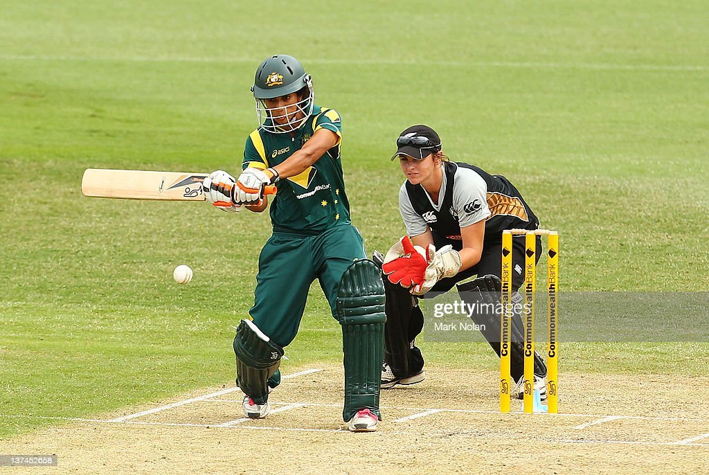 <a gi-track='captionPersonalityLinkClicked' href=/galleries/search?phrase=Lisa+Sthalekar&family=editorial&specificpeople=178307 ng-click='$event.stopPropagation()'>Lisa Sthalekar</a> of Australia bats during the women's Twenty20 match between the Australian Southern Stars and New Zealand at North Sydney Oval on January 21, 2012 in Sydney, Australia.