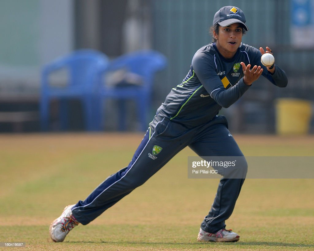 Lisa Sthalekar of Australia gets ready to bowl during a net session at the Barabati stadium on January 31, 2013 in Cuttack,Orissa, India.