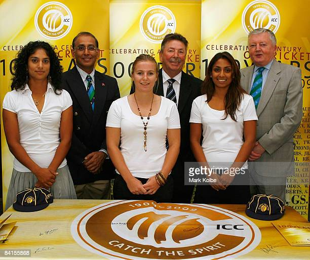 Lisa Sthalekar of Australia ICC Chief Executive Haroon Lorgat Holly Colvin of England Hall of Fame inductee Rodney Marsh Isa Guhan of England and ICC...