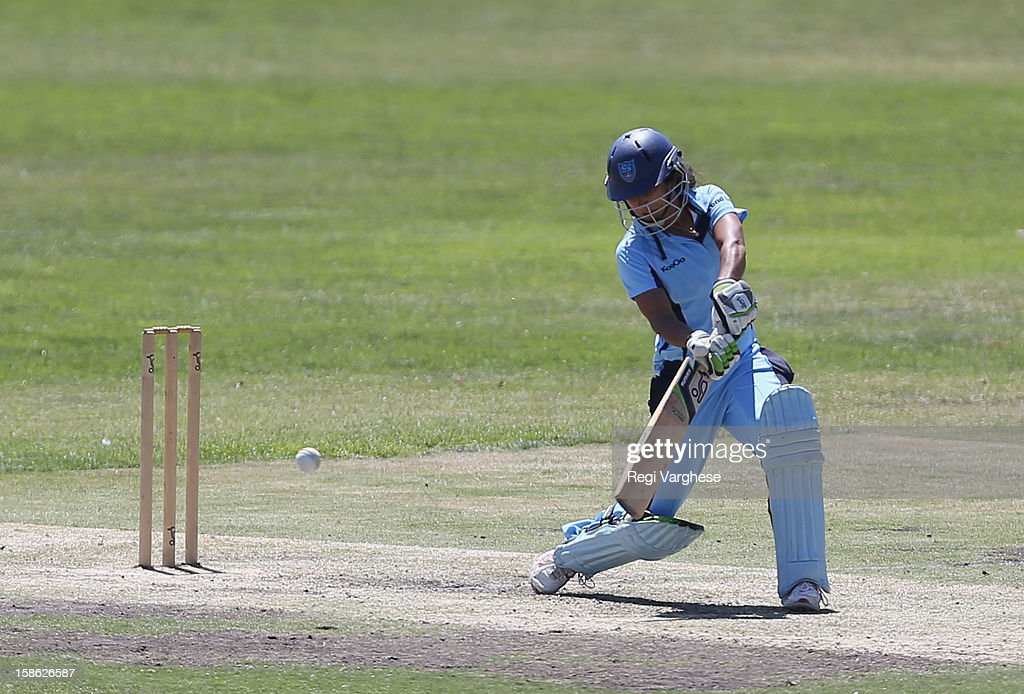 <a gi-track='captionPersonalityLinkClicked' href=/galleries/search?phrase=Lisa+Sthalekar&family=editorial&specificpeople=178307 ng-click='$event.stopPropagation()'>Lisa Sthalekar</a> of Breakers plays a shot during the WNCL match between the South Australia Scorpions and the New South Wales Breakers at Prospect Oval on December 22, 2012 in Adelaide, Australia.