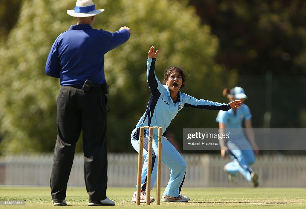 <a gi-track='captionPersonalityLinkClicked' href=/galleries/search?phrase=Lisa+Sthalekar&family=editorial&specificpeople=178307 ng-click='$event.stopPropagation()'>Lisa Sthalekar</a> of the Breakers appeals successfully for the wicket of Elyse Villani of the Spirit during the Women's Twenty20 match between the Victoria Spirit and the New South Wales Breakers at Junction Oval on January 4, 2013 in Melbourne, Australia.