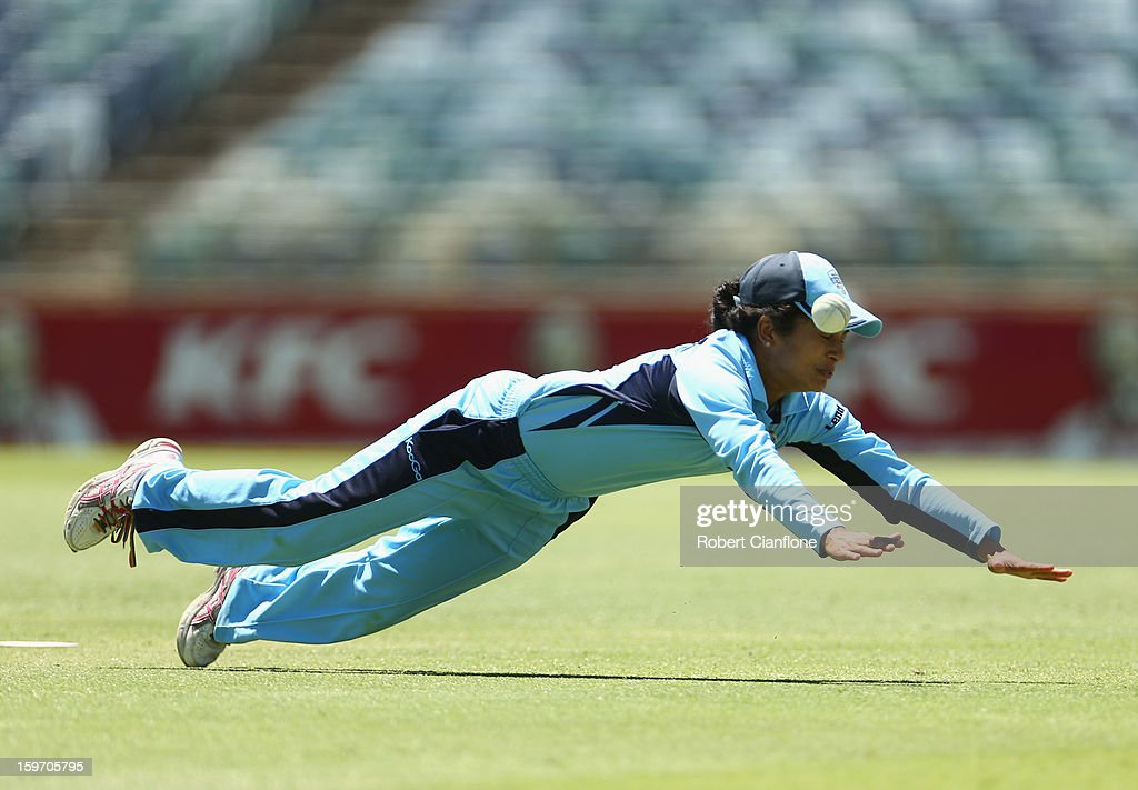 Lisa Sthalekar of the Breakers dives in an attempt to take a catch during the women's Twenty20 final match between the NSW Breakers and the Western Australia Fury at the WACA on January 19, 2013 in Perth, Australia.