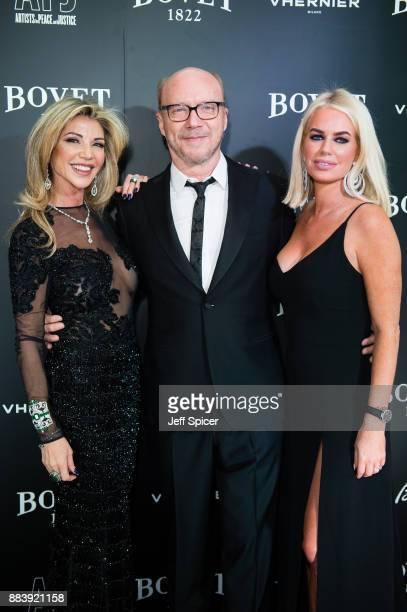 Lisa Tchenguiz Paul Haggis and Caroline Stanbury attend the 'Brilliant Is Beautiful' gala held at Claridge's Hotel on December 1 2017 in London...