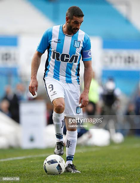 Lisandro Lopez of Racing Club drives the ball during a match between Racing Club and Lanus as part of Copa del Bicentenario de la Independencia 2016...