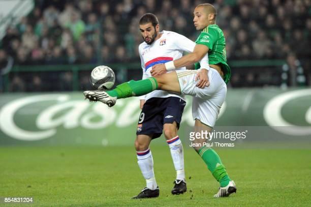 Lisandro LOPEZ Yohan BENALOUANE Saint Etienne / Lyon 12eme journee de Ligue 1 Stade Geoffroy Guichard Saint Etienne